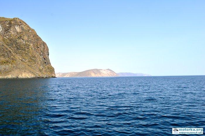 Вход в залив Усть-Анга
